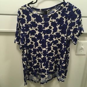 H&M blue and white floral t shirt size S